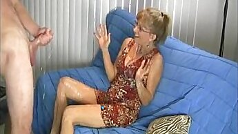 BOZ SUPERSTAR FEET GRANNY CAUGHT BY ANOTHER BIG DICK