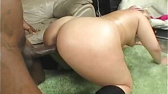 Black amateur takes huge cock up her ass