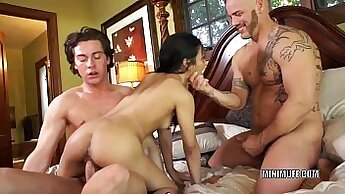 Asian stripboy gets his hard jock sucked before he fucks sexly in threesome