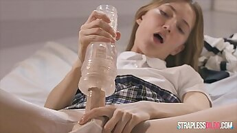 cute college teens fuck on the real cocks